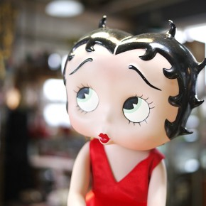 BETTY BOOP PORCELAIN DOLL