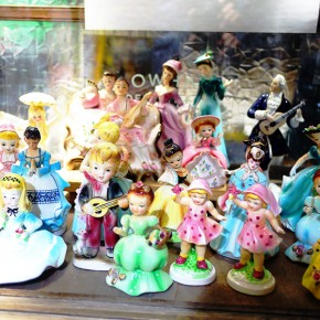 とてもレアな陶器人形達